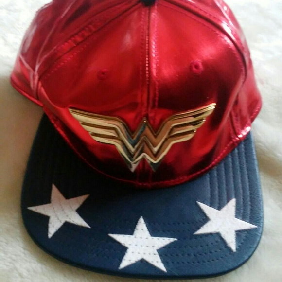 bc5ae24d8b1 Suit Up Wonder Women Snapback. NWT. DC Comics
